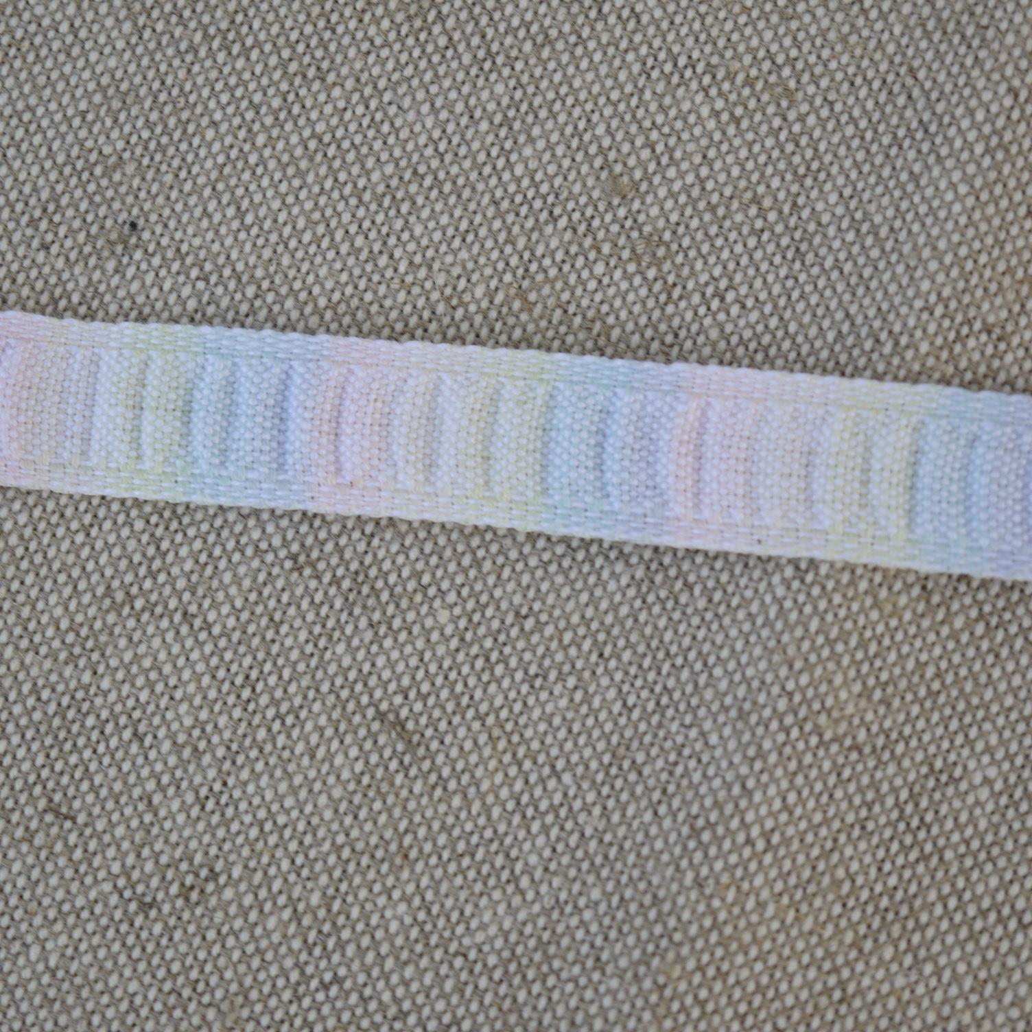 borte band multifarbe blau gelb rosa 1 5cm breit preis pro meter retro deko. Black Bedroom Furniture Sets. Home Design Ideas